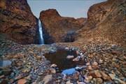 Обалденный водопадик. Время захода солнца.