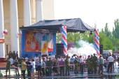 Ахтубинск. Перед началом массового гуляния на площади Ленина