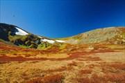 Спуск с перевала между р. Кызыл-Айры и Ниж. Катанда