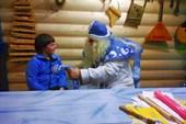 Встреча с Дедом Морозом, Лавровская фабрика деревянных игрушек.