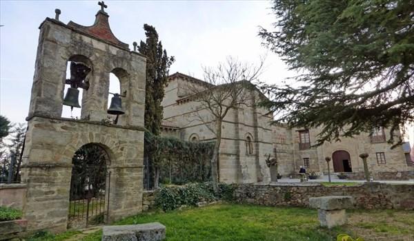 Романская церковь (XI век) в Santa Marta de Tera