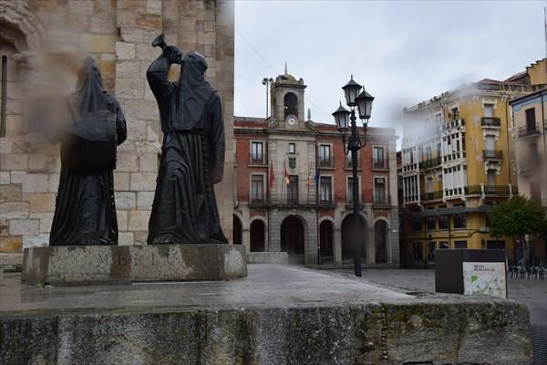 Памятник кому-то