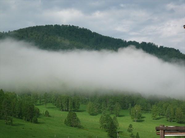 на фото: Утро в горах