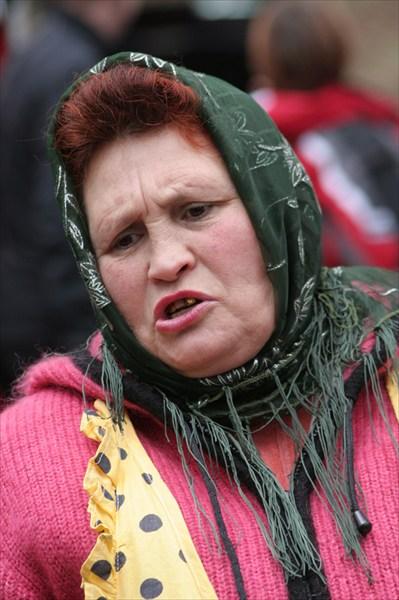 Мудрая женщина продавщица блинчиков