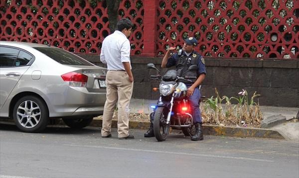 027-Полицейский