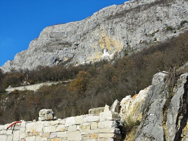 Вид на Верхний монастырь.