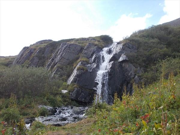 Водопад в долине семи озер
