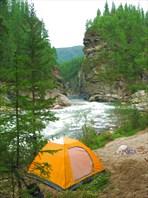 """Палатка на фоне """"Ханской щели"""". Вечер."""