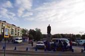 Площадь перед вокзалом Хмельницкого
