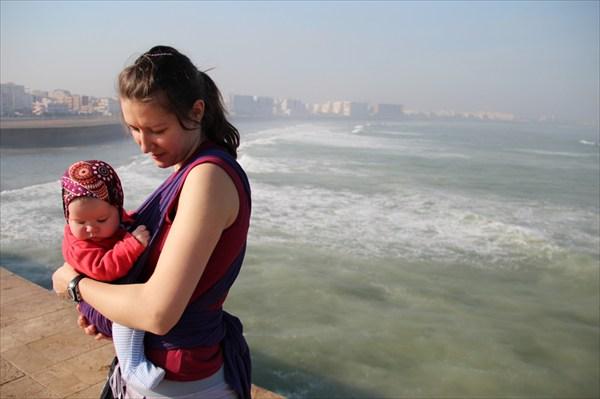 «Мама  будь аккуратна  а то купаться еще рано!»