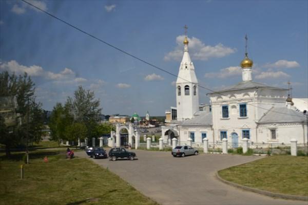 Вид на мужской монастырь