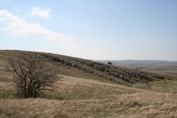 выходы пластов известняка на плато