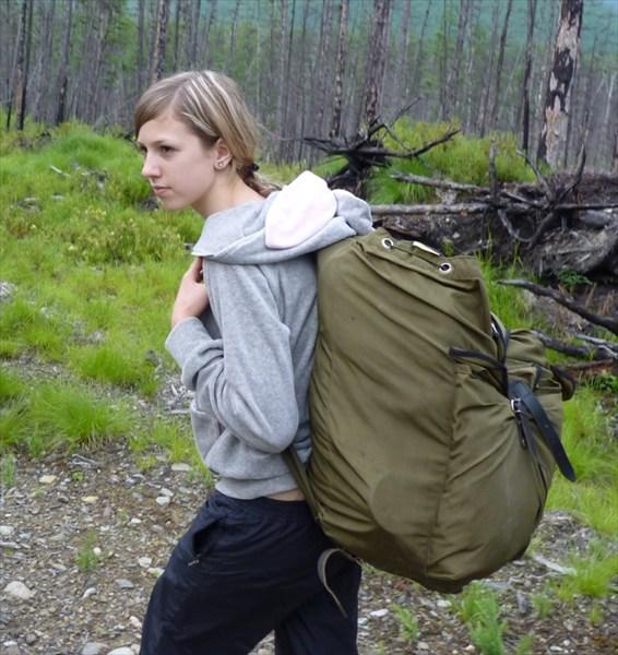 Дюймовочка с рюкзаком