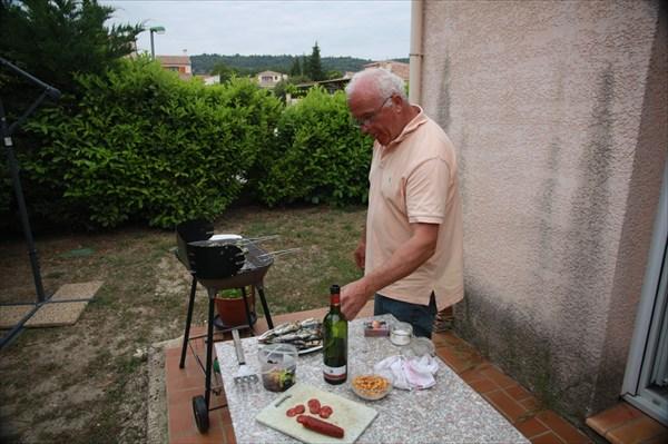 Жан-Пьер готовит ужин