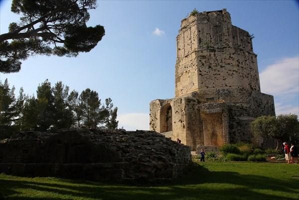 Древняя-древняя башня Мань