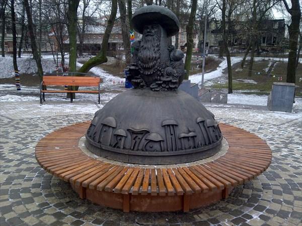"""Памятник поговорке """"В Рязани грибы с глазами"""""""