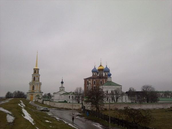 Вид на Кремль с крепостного вала