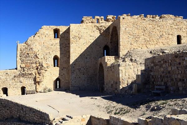 крепость в Караке