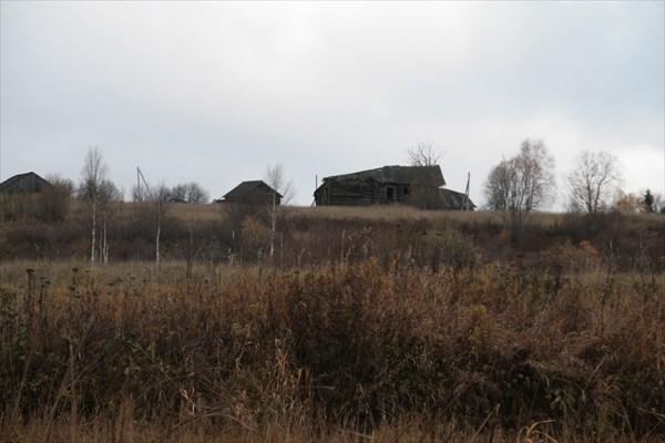 Брошеные дома в деревне Куриловская