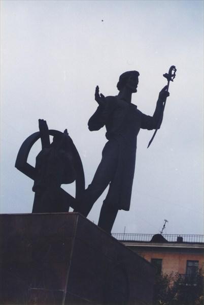 03. Памятник И. Н. Бушуеву