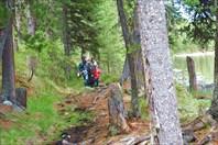 Андрей и Оля с детьми на маршруте