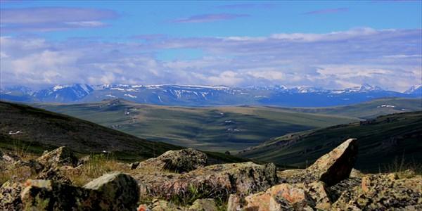 Вид на Алтайский хребет.