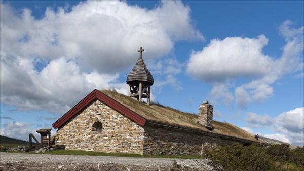 Нацпарк Rondane. Старая церковь.
