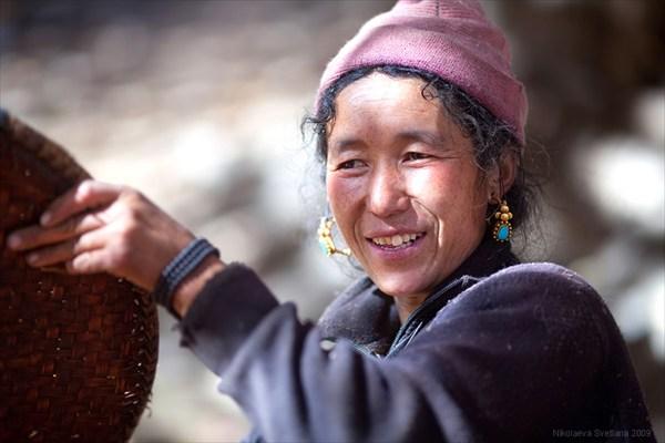 Тибетки увешаны массивными золотыми украшениями