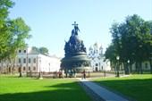Памятник `Тысячилетие России` и Софийский собор