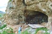 `Зарешеченная` Усть-Канская пещера