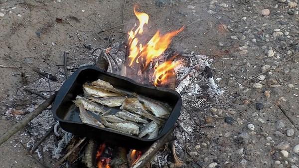 Жарится рыба