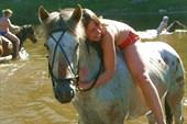 Купание с конями