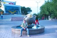 Фото 39. У символа Алматы