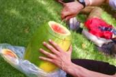поедание арбуза с путешествинниками из китая