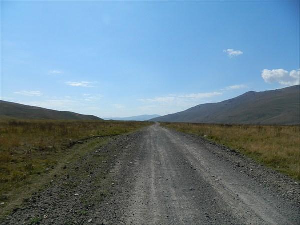 Дорога на перевал через Зангегурский хребет