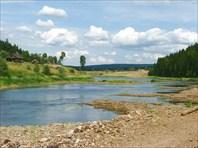 Река и поселок Усть-Тырым