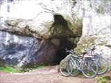 Небольшая пещера