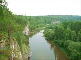 Скалы на реке