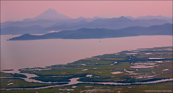 Дельта реки Авача, Авачинская бухта, вулкан Вилючинский