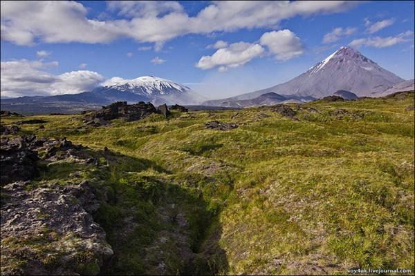 Вулканы Плоская Дальняя и Камень