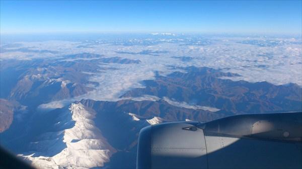 Под крылом самолета:)