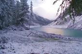 Нижнее шавлинское озеро, середина июня