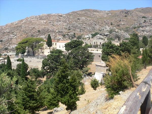 Вид на монастырь Превели