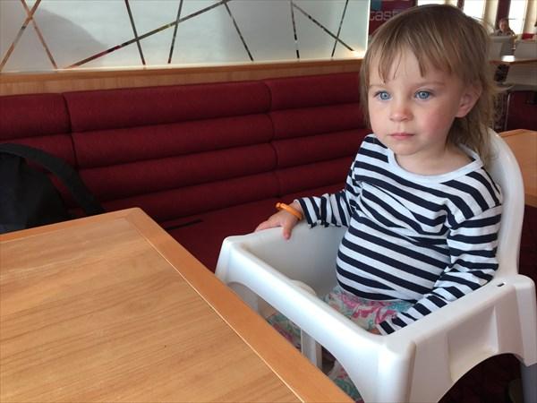В ожидании вкусняшек со шведского стола