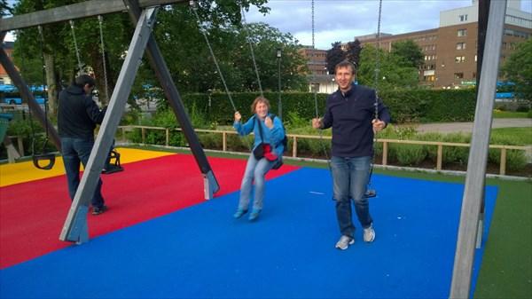 И взрослым, и детям одинаково понравилась детская площадка
