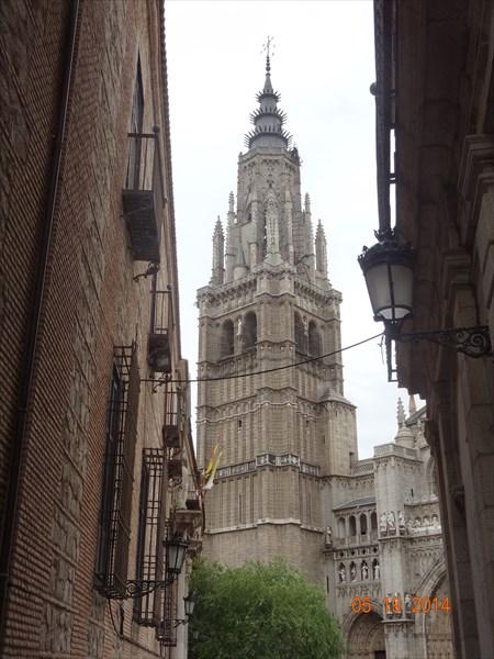 Колокольня кафедрального собора.