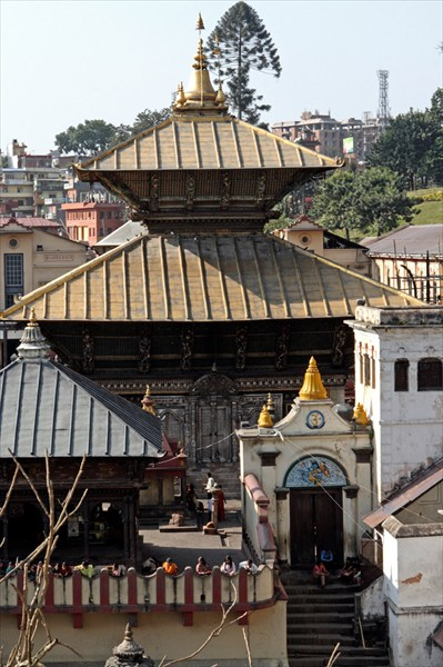 Главный храм. Не индуистам вход запрещен