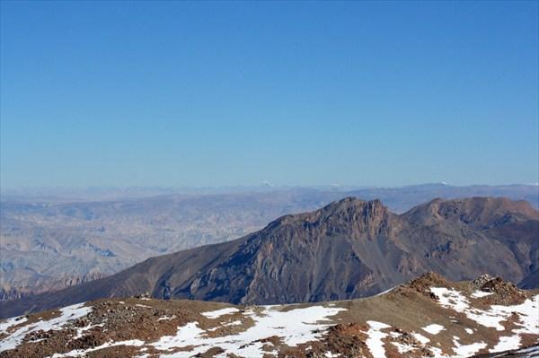 Вид на королевство Мустанг с Восточного перевала (5450 метров)