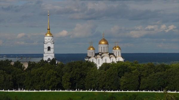 Виды с водонапорной башни на Собор
