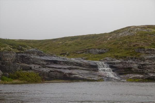 Водопадик напротив лагеря